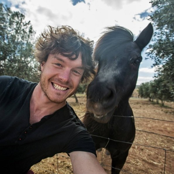 This guy mastered the art of animal selfies! | Animals Zone