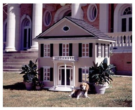 Le Petite Maison Custom Dog House